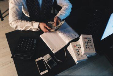 Czym jest ekonomia i dlaczego ma tak duży wpływ na współczesny świat?
